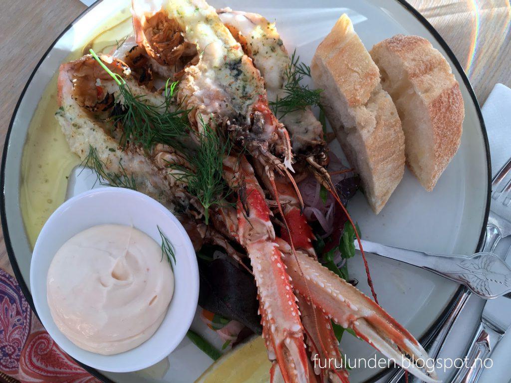 Restaurant Sillen & Makrillen, smaksrikt og vakkert - Forrett med krepst vakkert dandert