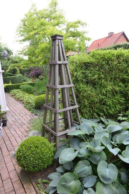 Klatrestativer  - tips og ideer i mengder. Obelisk - hentet fra Pinterest. Furulunden.
