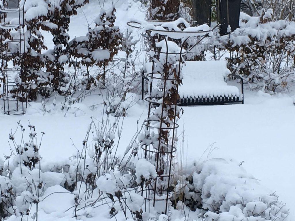 Klatrestativer - tips og ideer i mengder - Klatrestativ i snø. Furulunden.