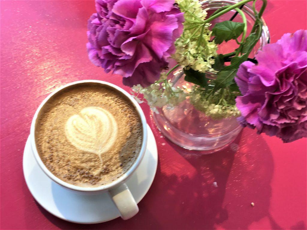Kaffe Latte hos fru Blom, Rakkestad