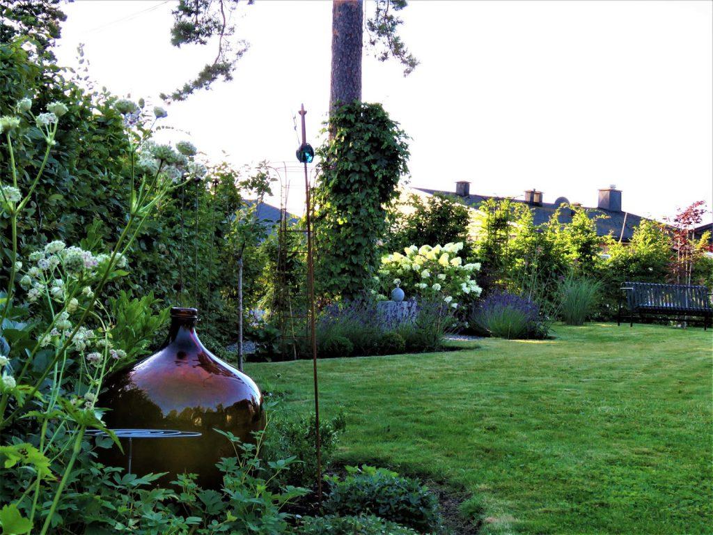 Foto 2 fra Furulunden i anledning 1000 åpne hager