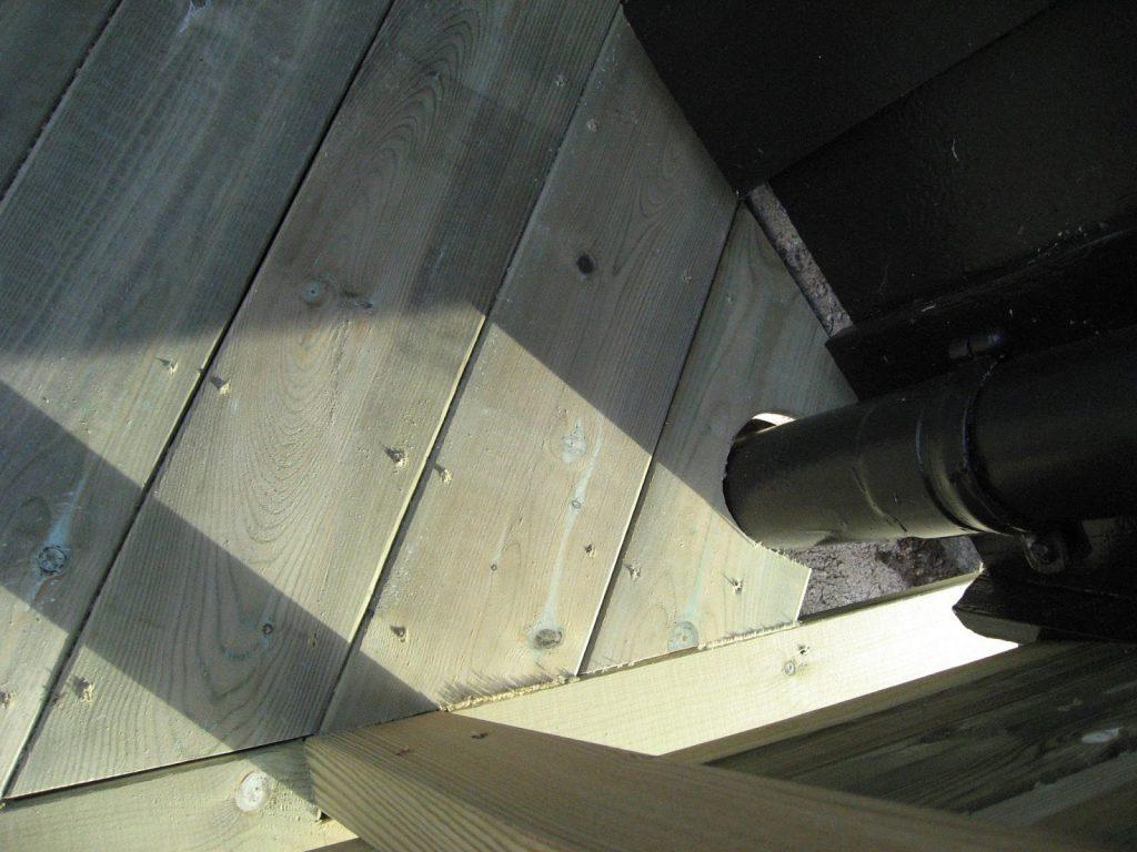 Bygge terrasse - tips. Detaljer på terrassen, rundt taknedløp. Furulunden