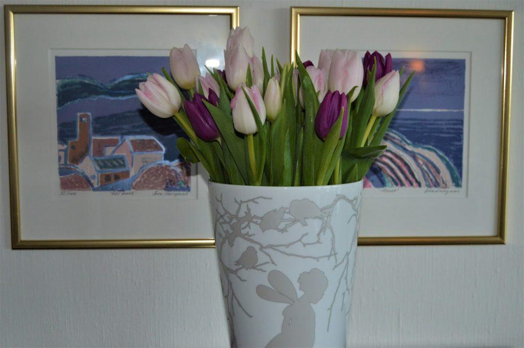 Tulipaner i vase.