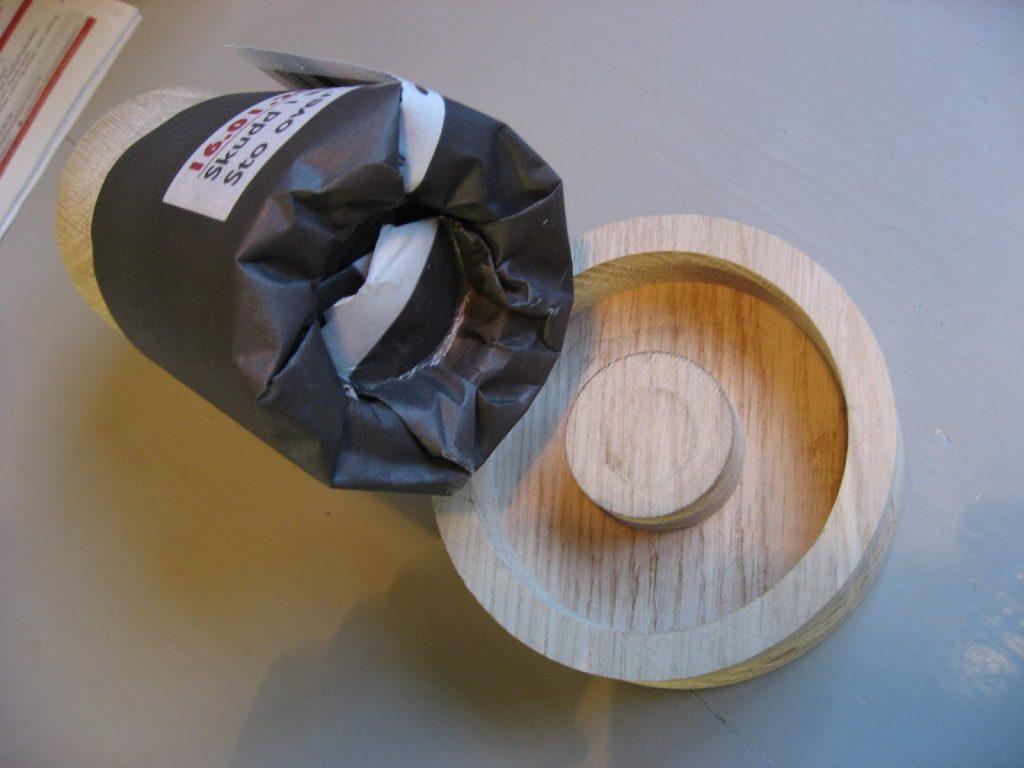 Se på bunnen av papirpotten