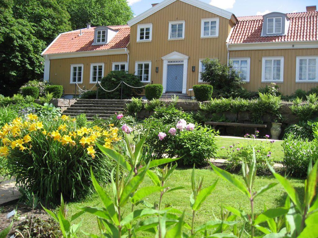 På utflukt til Gøteborgs botaniske Hage - Hovedhuset med hage foran - Gøteborgs botaniske hage