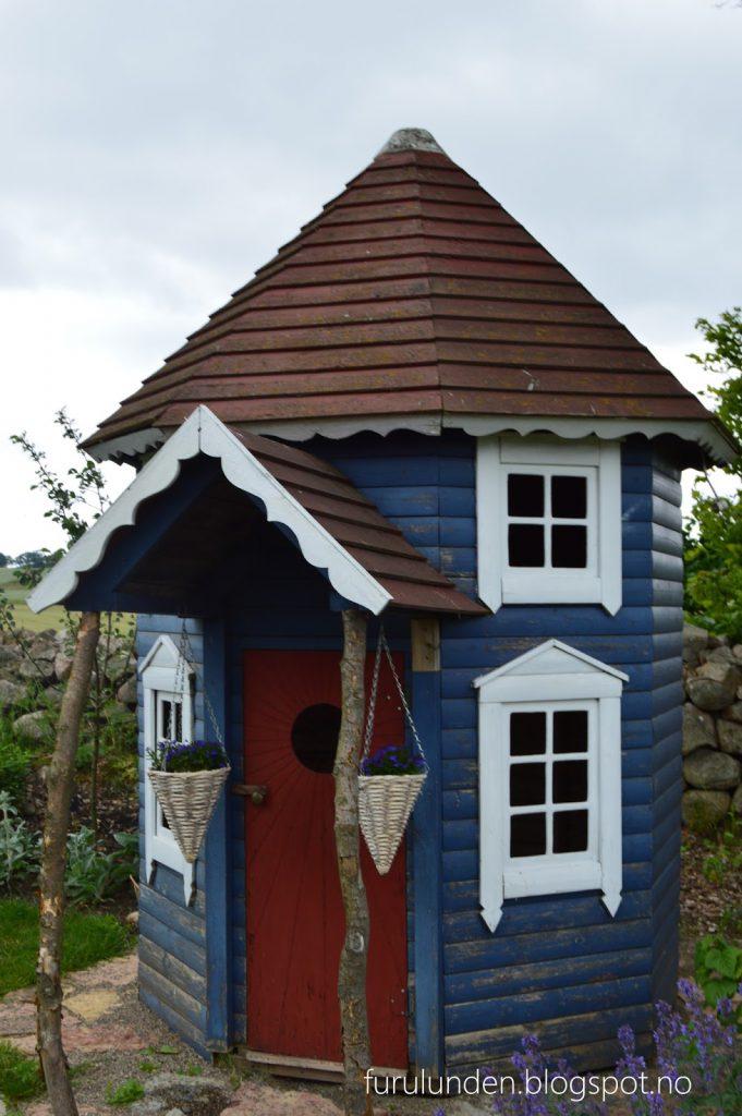 Historikk og oppskrift på en cottage garden. Et bittelite anneks