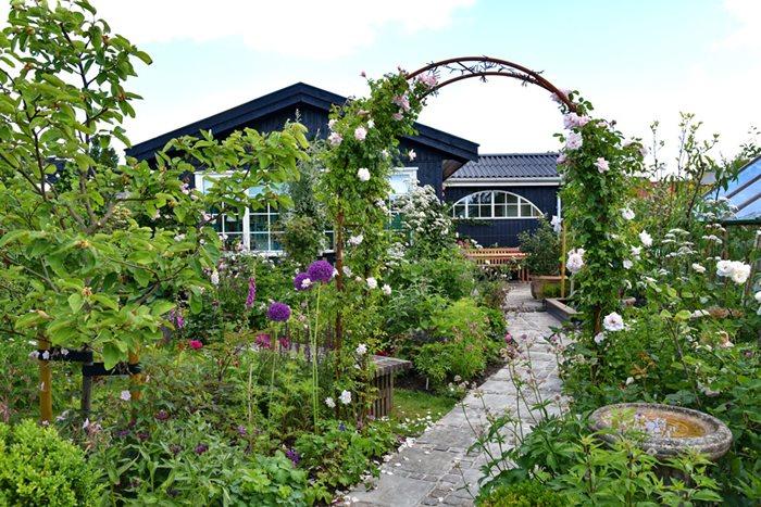 Den store bog om små haver - vinn boken-min Tips til små hager