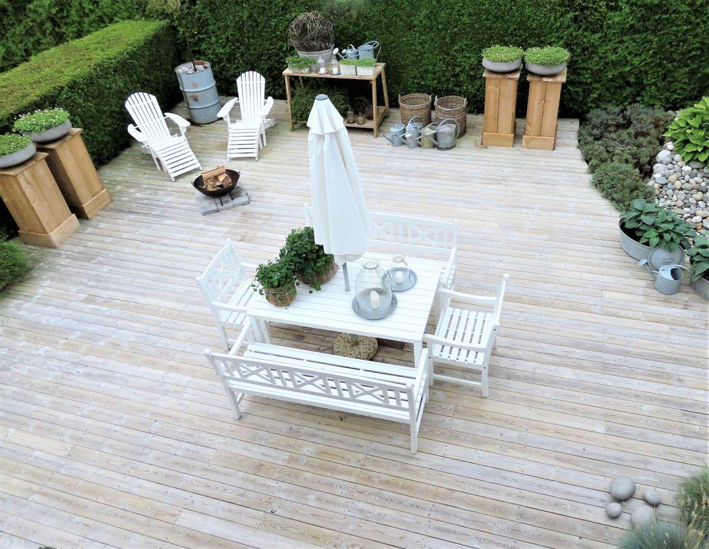 Å ha terrasse som hage - overiktsbilde tatt fra annen etasje IMG_3467 (2)