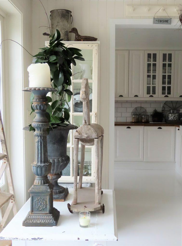 Fra stuen og inn til den åpne kjøkkenet - hos Jeanette IMG_3390 (2)