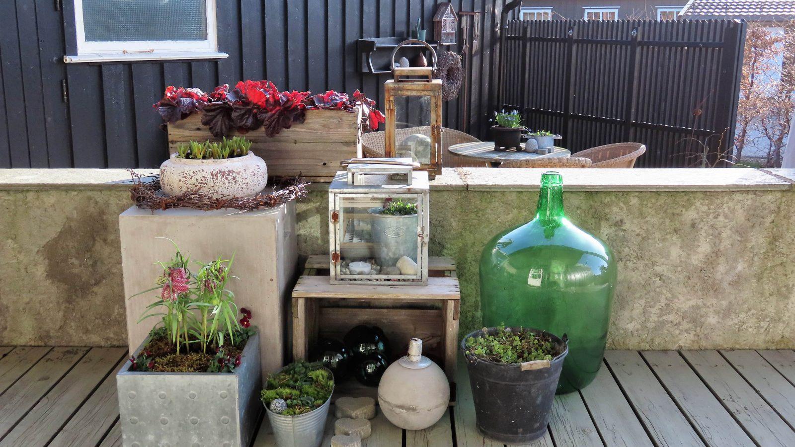 Slik kan du lage et vårlig arrangement på terrassen - fiks ferdig