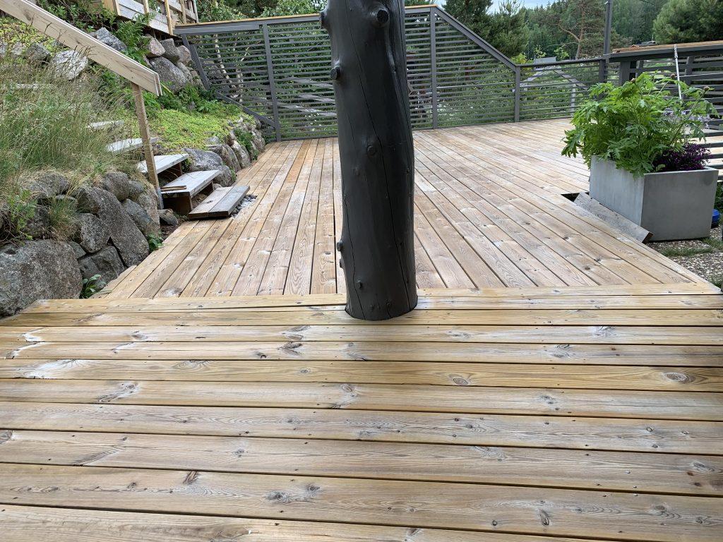 Terrassen er vasket med Sioox produkter - på hytta