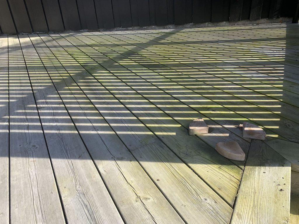 Trebeskyttelse med lang holdbarhet - før behandling av terrassen
