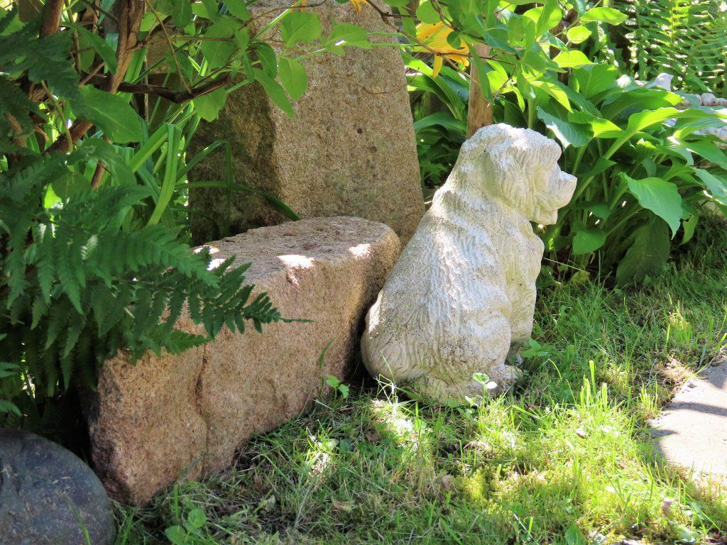 Når hagen preges av ditt kunstnersinn - Vaterland- stilleben nr. 4
