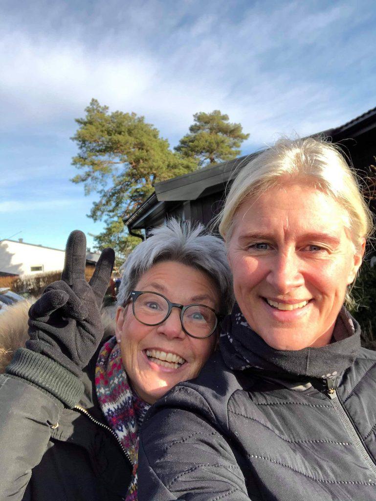 Elin Hjortland og Mette når vi testet ut Alginure tangprodukter i hagen