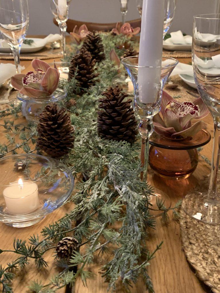 Gjenbruk av pynt og dekketøy til julebordet