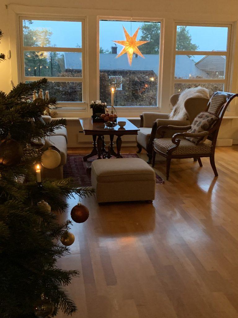 Slik lykkes du med juletreet - Goethes skildring - detalj fra julepyntet stue